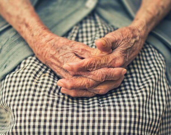 estrés-tabaquismo-envejecimiento-prematuro-piel